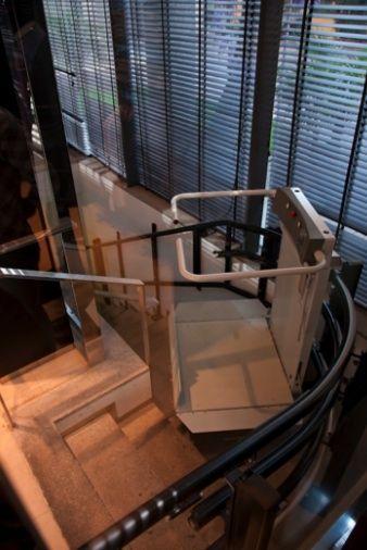 Стълбищна платформа за инвалидни колички СЛИМ