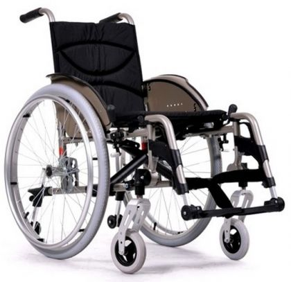 Олекотена инвалидна количка Vermeiren V200GO