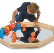 Табличка за игра с огледало и топки
