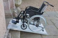 Сгъваема рампа за инвалидни колички 2130 мм