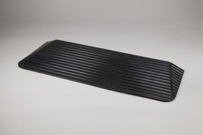 Rubber threshold ramp TRP1RT (1105mm wide 410mm deep)
